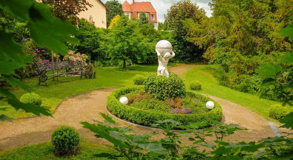 Hotel – Villa 4 Jahreszeiten – Crimmitschau – Parkanlage 06