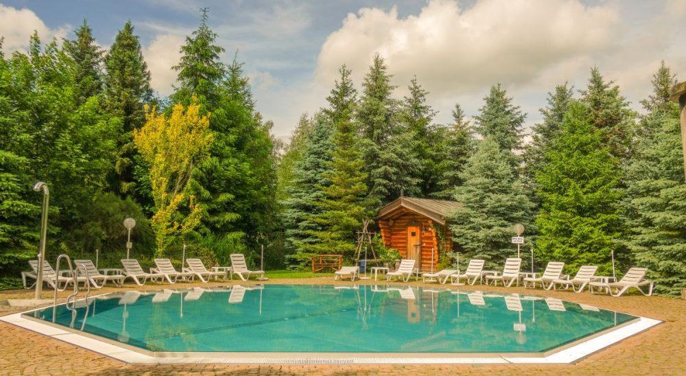 Hotel Villa Vier Jahreszeiten – Crimmitschau – Sauna - Außenpool