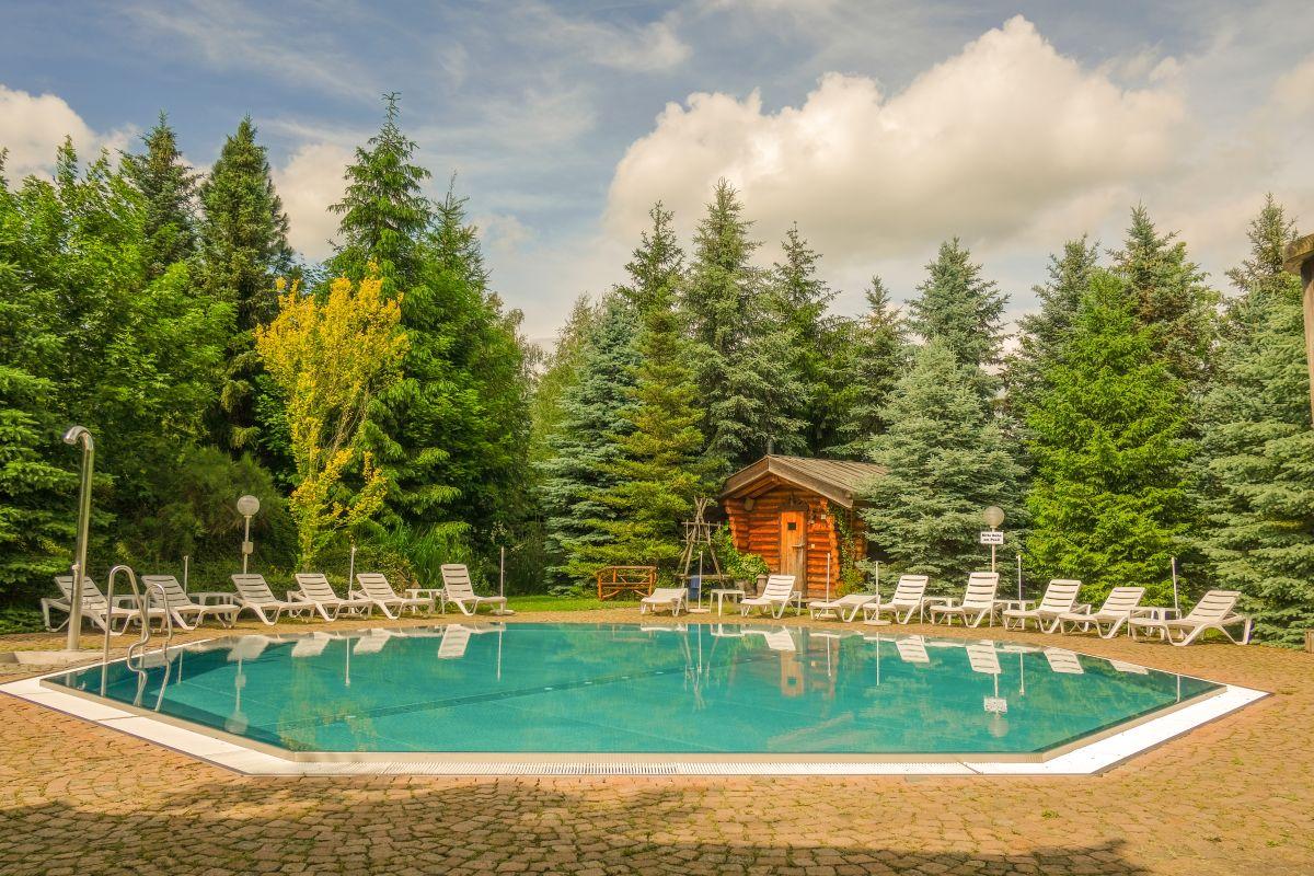 Hotel Villa Vier Jahreszeiten – Crimmitschau – Sauna – Außenpool