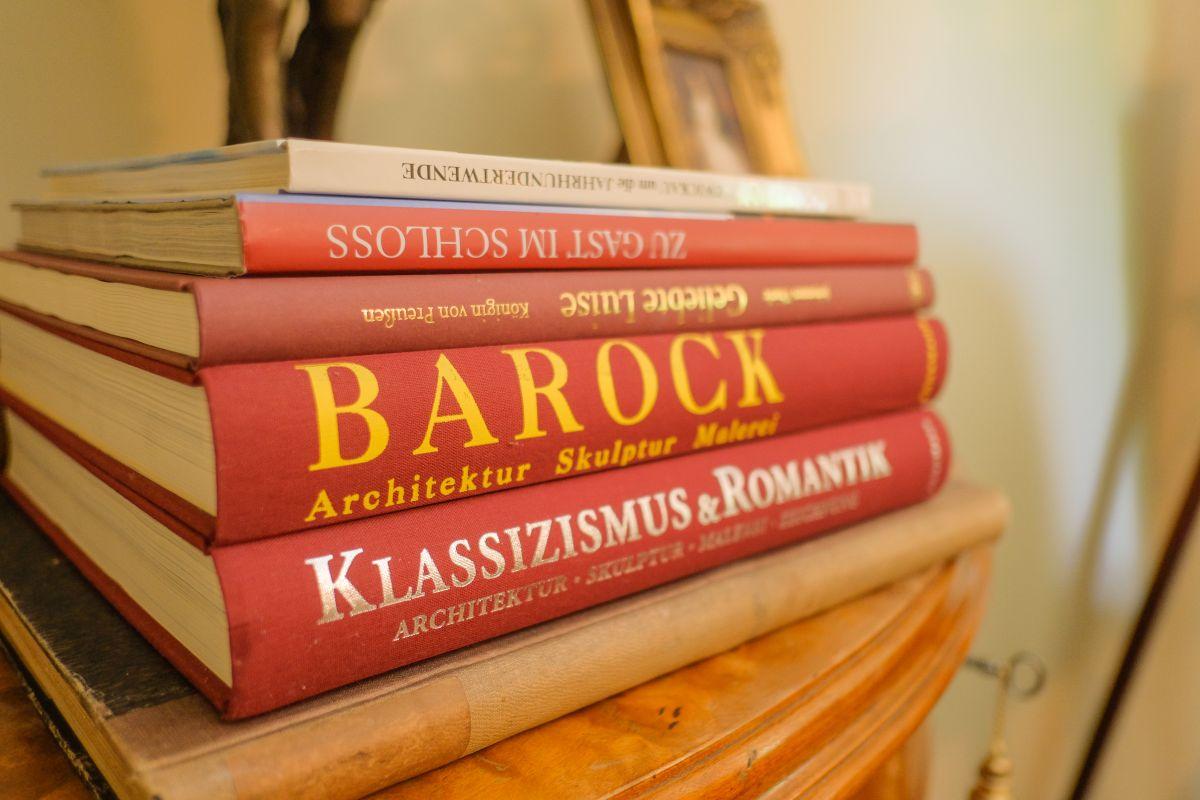 Hotel Villa Vier Jahreszeiten - Crimmitschau - Bücher
