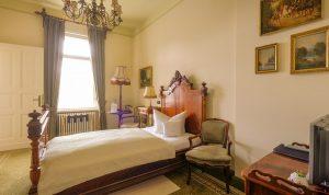 Hotel Villa Vier Jahreszeiten - Crimmitschau - Raum 03 Panorama